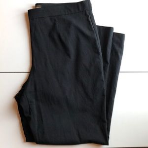 Black Dana Buchman High-Waisted Trouser